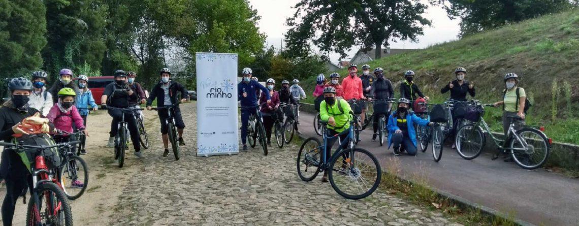 Actividade de cicloturismo pola ecovía entre Valença e Vila Nova de Cerveira dentro do programa programa Vive o Rio Minho
